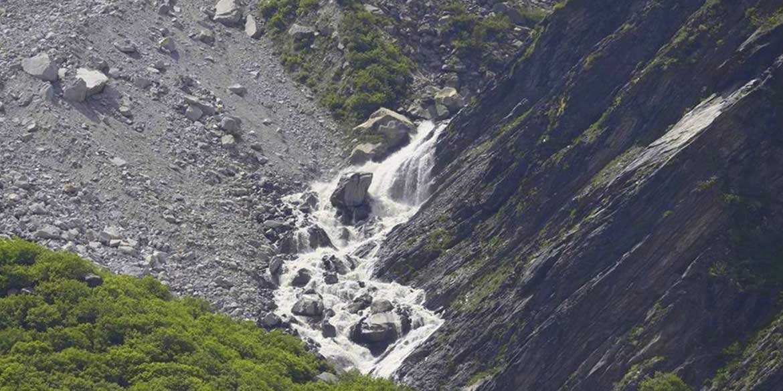Yoga-Retreat-Himalyas-Manali-Bakerthach-Valley-10.jpg
