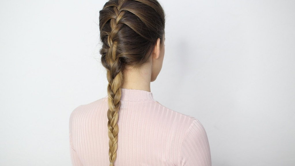 French braid: Your Top 5 Hairstyles for A Seamless Yoga Session
